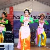Attractive Yapong dance by high school students